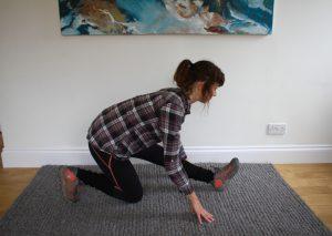 Runners lunge - trekking yoga