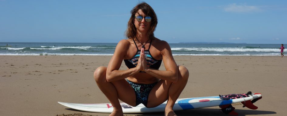 5 best yoga poises for a surf warm up