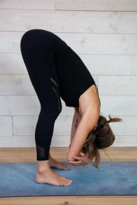 Dangling pose - Yin yoga sequence for the Winter